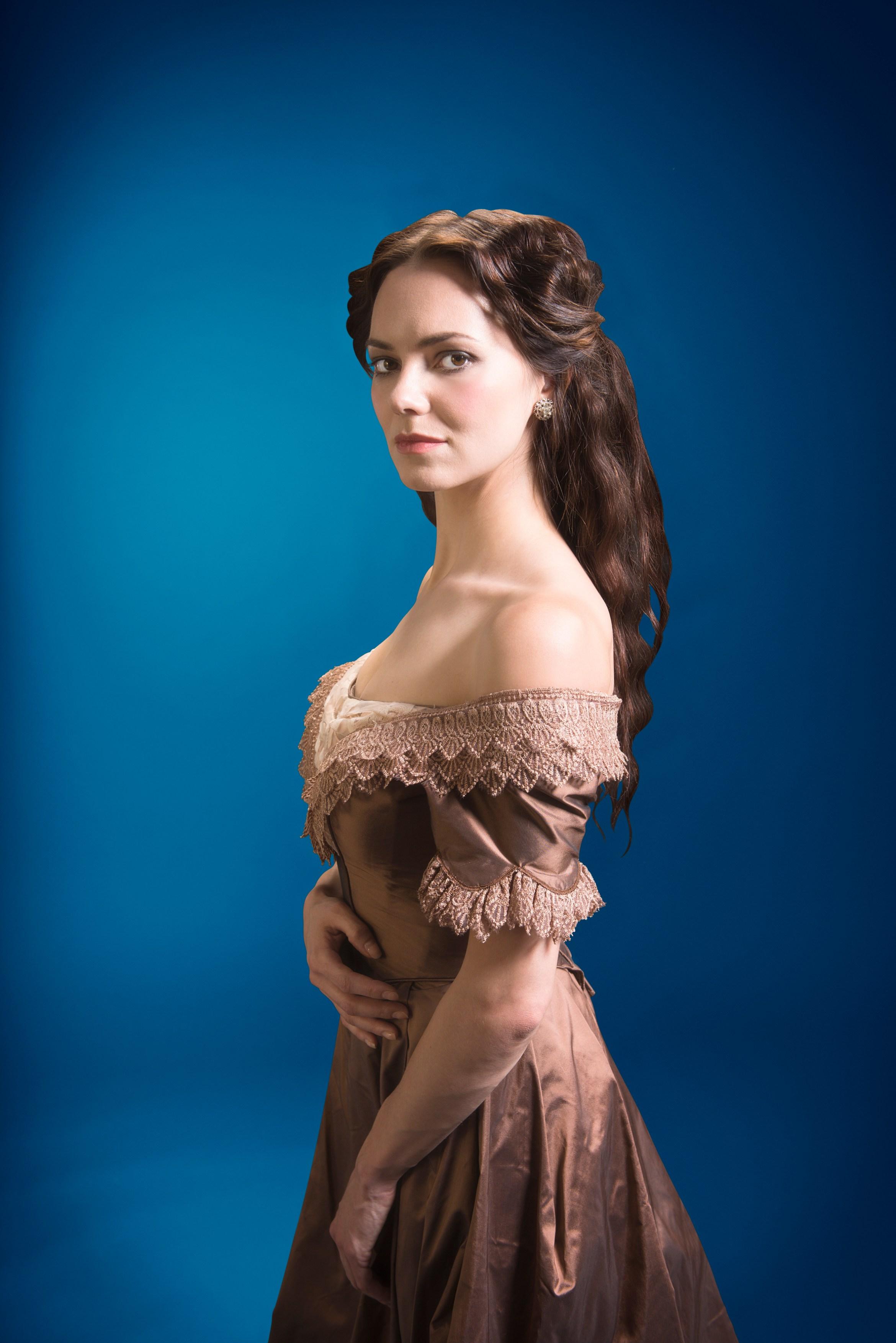 Gaslight -  UK Tour Kara Tointon as Bella Manningham 1 (c) Shaun Webb.jpg