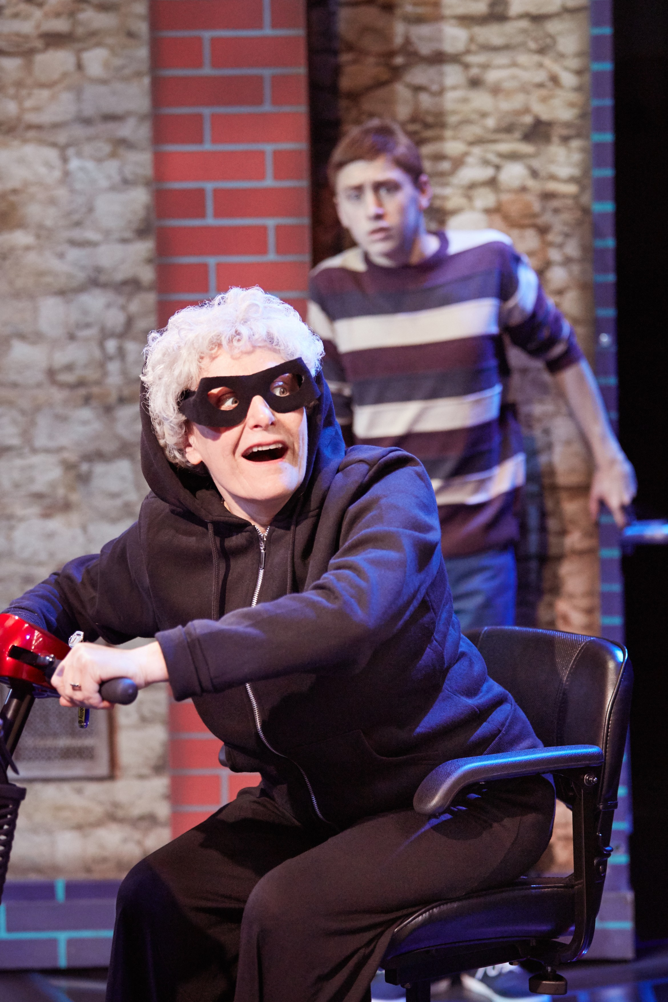 Gangsta Granny. Gilly Tompkins (Granny) & Ashley Cousins (Ben) Photo by Mark Douet  C31B4299.jpg