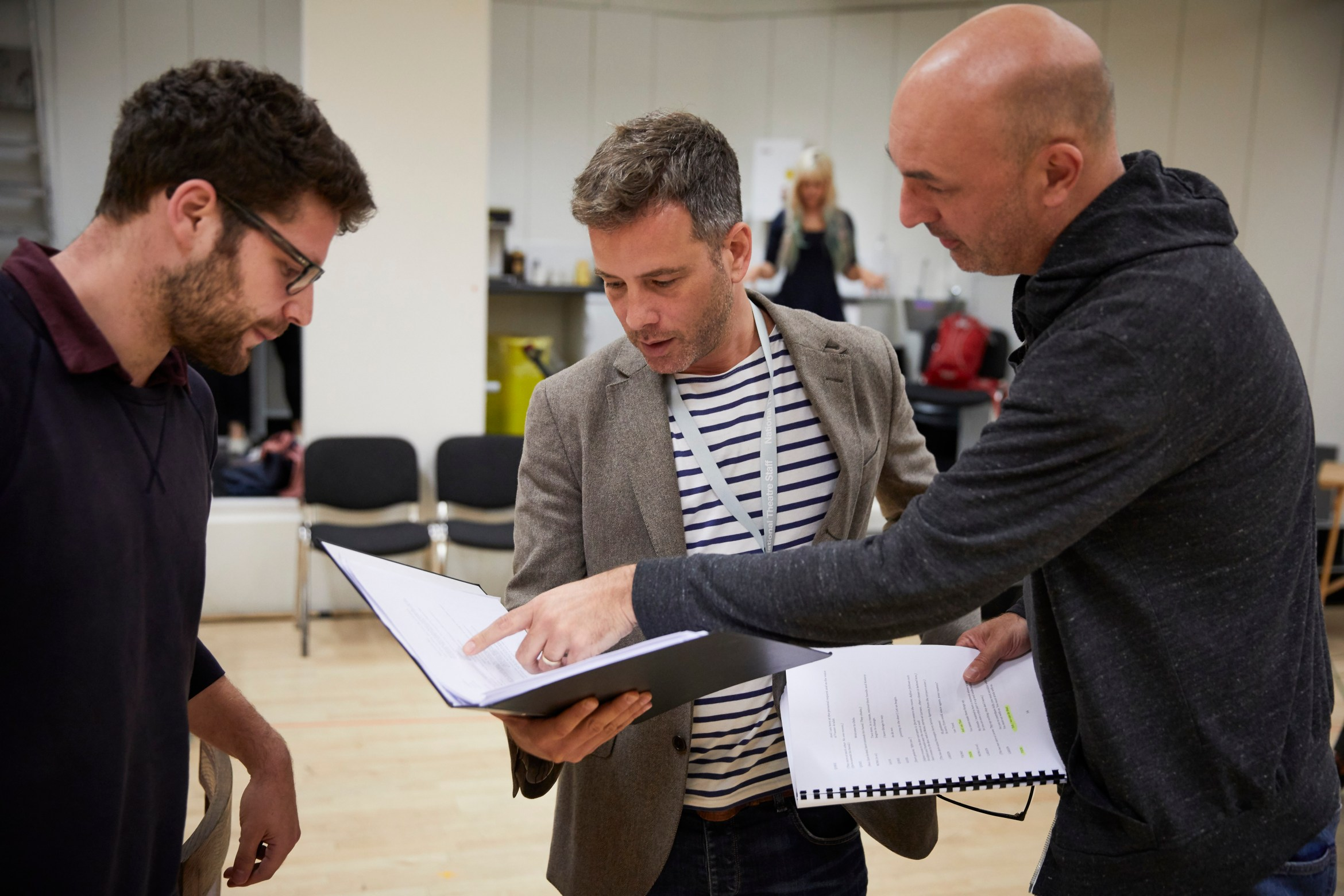 l-r Oscar Toeman (assistant director), Yair Jonah Lotan and Daniel Stewart in rehearsal for 'Oslo' - photo credit Brinkhoff Mögenberg.988-0196