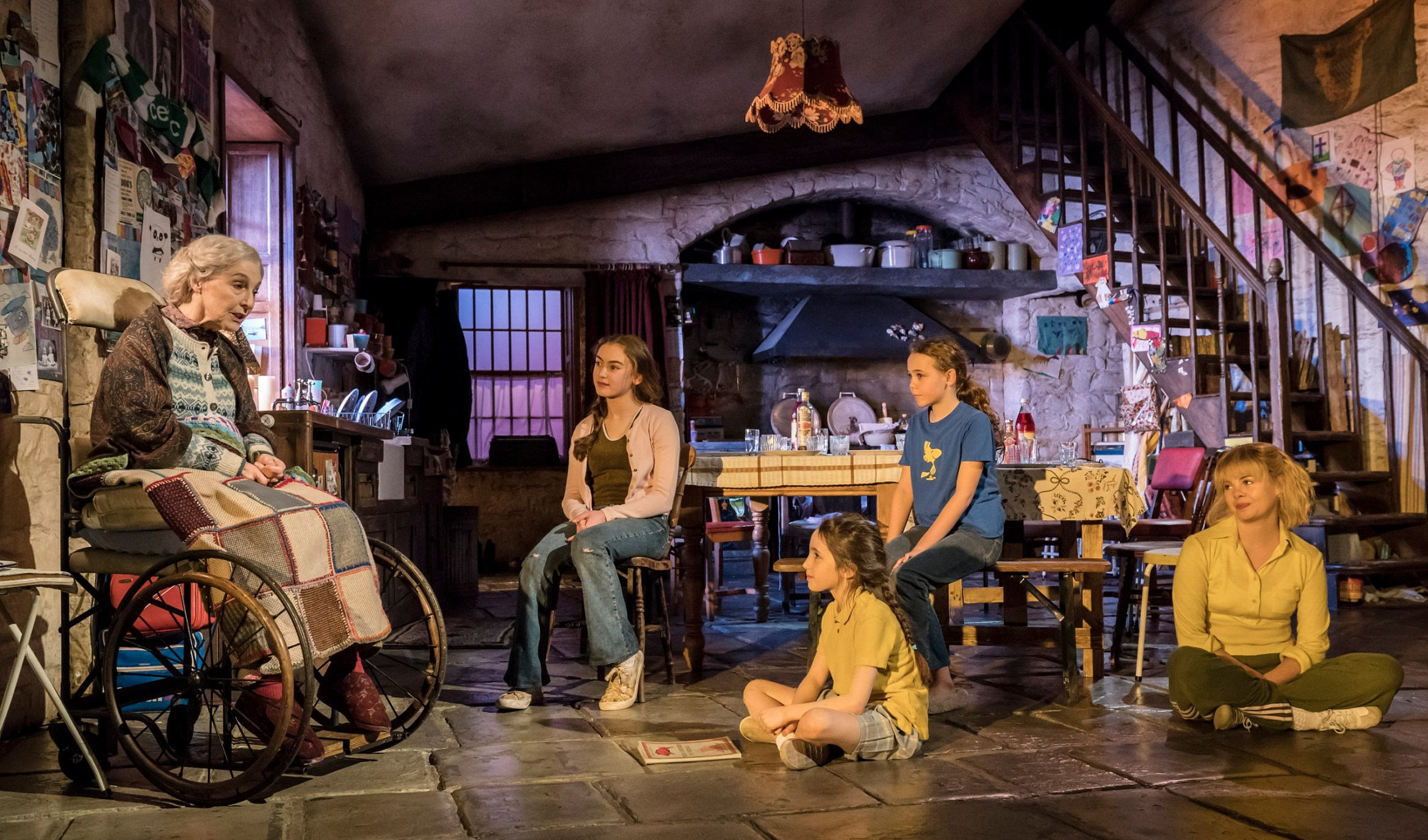 2-The-current-cast-of-The-Ferryman.-Credit-Johan-Persson.jpg