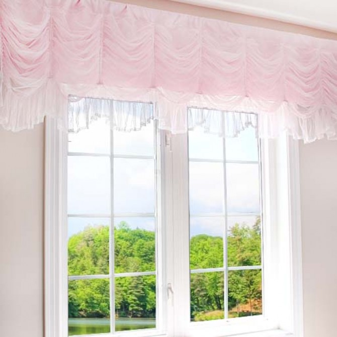 luxury ruched valance pink