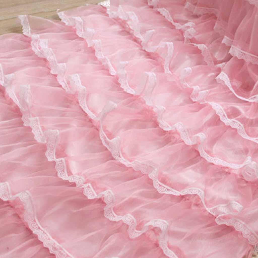 Lace ruffled curtain