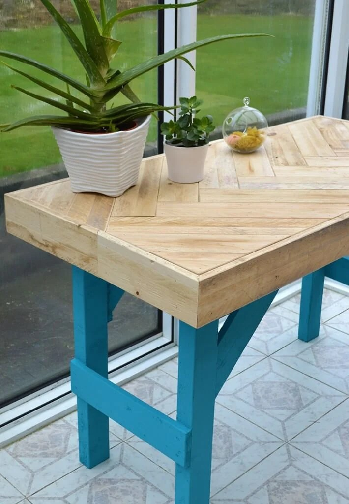 Diy Wooden Table Made With Pallet Wood • Lovely Greens
