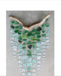 30 Sea Glass Ideas & Projects - Garden Living and Making ...