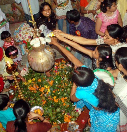 1265983071-maha-shivratri-festival-in-guwahati246120_246120