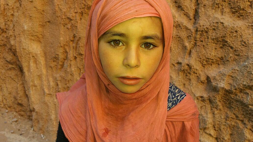 Criança no Gorges do Todra