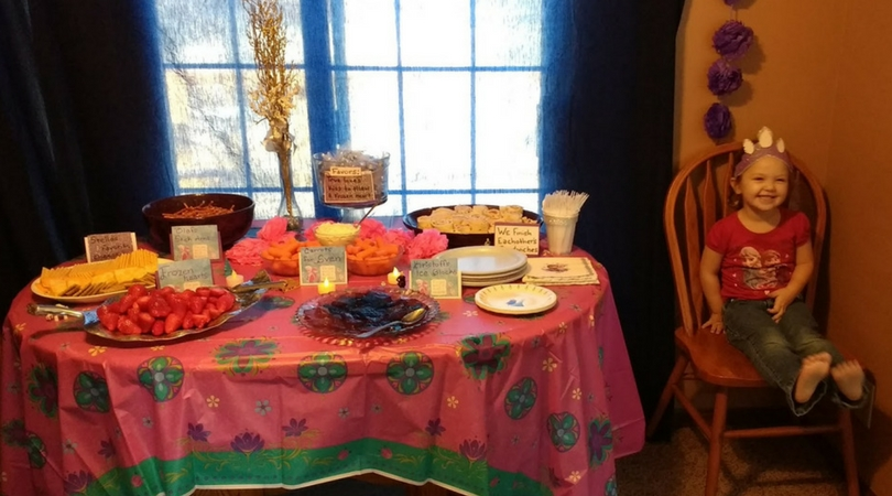 How to Throw a Fabulous Frozen Party for a Three Year Old