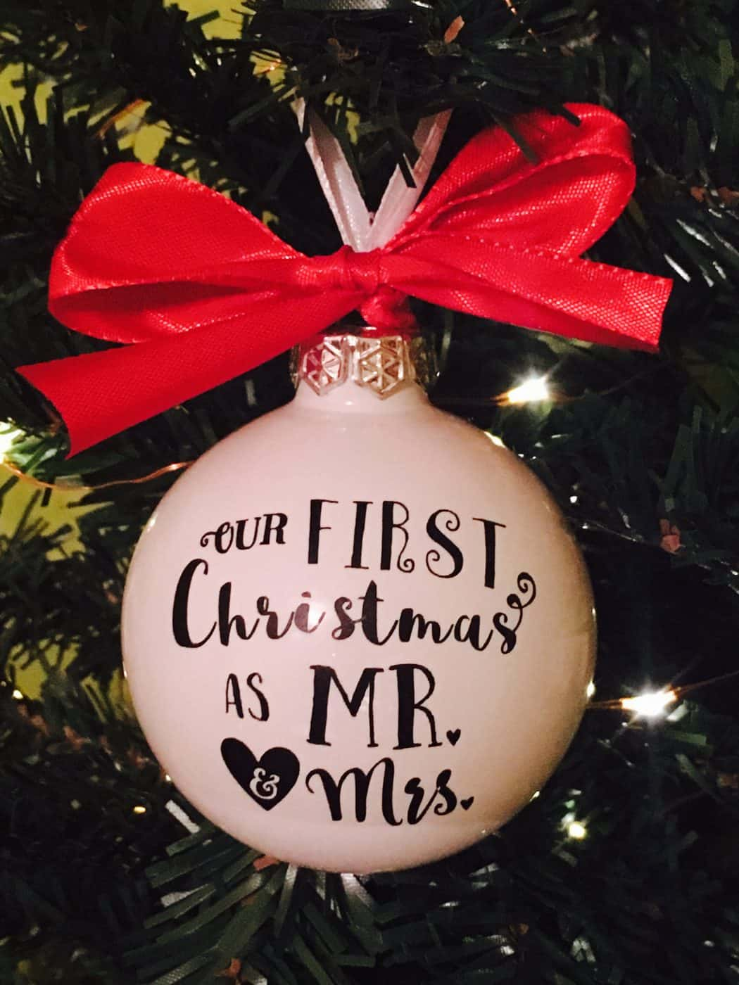 Diy Mr Amp Mrs First Christmas Ornament With Vinyl