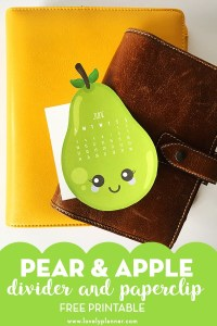 Free Printable Kawaii Pear and Apple calendar divider and paperclip to decorate your planner next month. Each month, print a different set and add it in your planner to always have a a full view of the month's calendar. You punch holes in it yourself so it's compatible with all types of planners. #freeprintable #plannerprintables #kawaii #freeplannerprintables