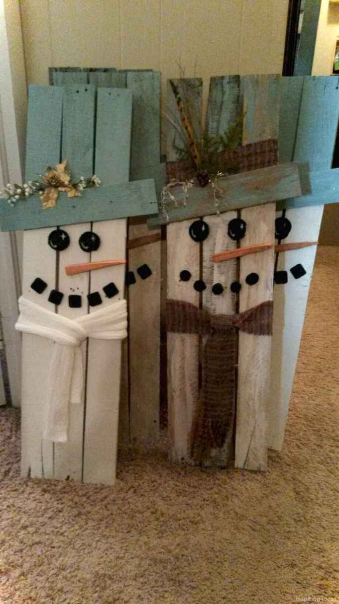 0032 Awesome DIY Wooden Christmas Craft Ideas