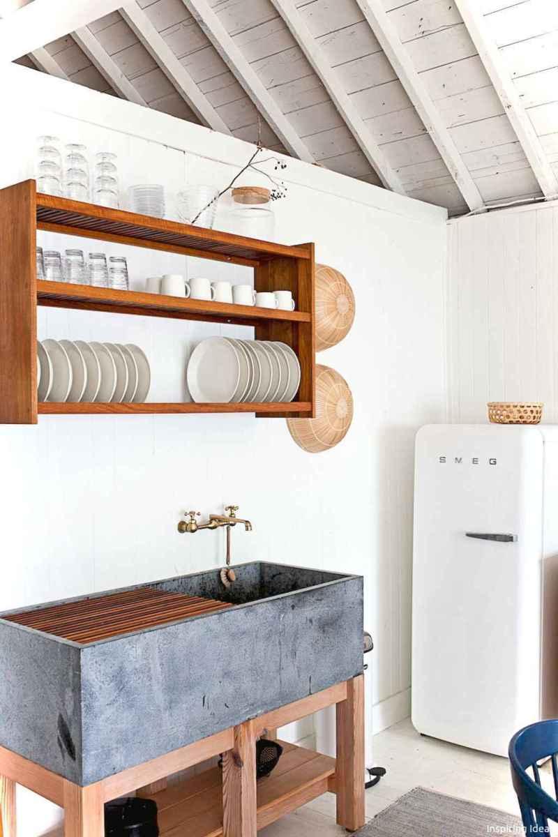 46 Small Cabin Cottage Kitchen Ideas07