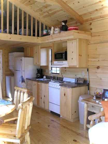 46 Small Cabin Cottage Kitchen Ideas37