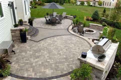 Paver Walkways Ideas for Backyard Patio 12