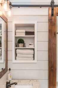 77 Fabulous Modern Farmhouse Bathroom Tile Ideas 07