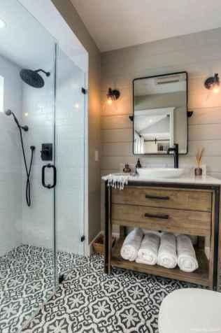 77 Fabulous Modern Farmhouse Bathroom Tile Ideas 26