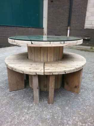 67 DIY Upcycled Spool Project Ideas for Outdoor Furniture