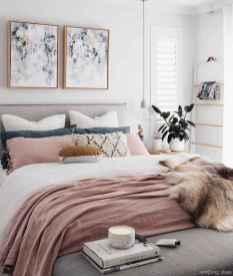 Minimalist Apartment Bedroom Decorating Ideas 70