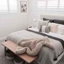 Minimalist Apartment Bedroom Decorating Ideas 82