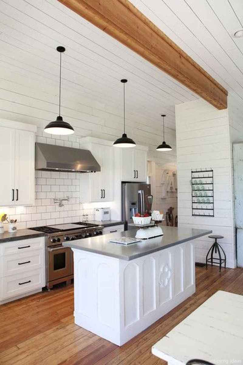 Modern Farmhouse Kitchen Backsplash Design Ideas 75