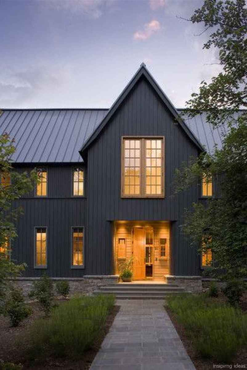 Simple Modern Farmhouse Exterior Design Ideas 17