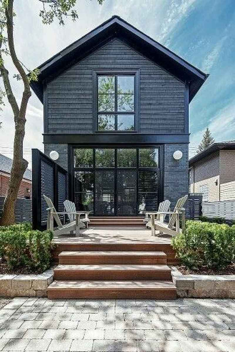 Simple Modern Farmhouse Exterior Design Ideas 25