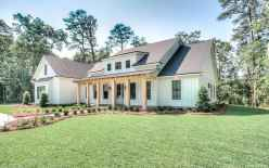 Simple Modern Farmhouse Exterior Design Ideas 30