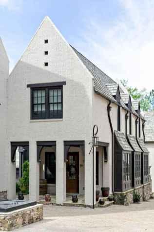 Simple Modern Farmhouse Exterior Design Ideas 51