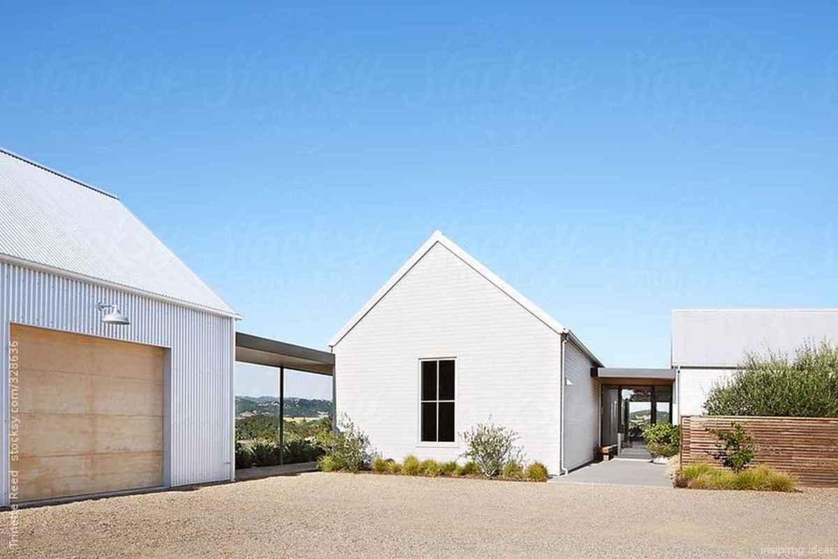 Simple Modern Farmhouse Exterior Design Ideas 59