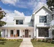 Simple Modern Farmhouse Exterior Design Ideas 61