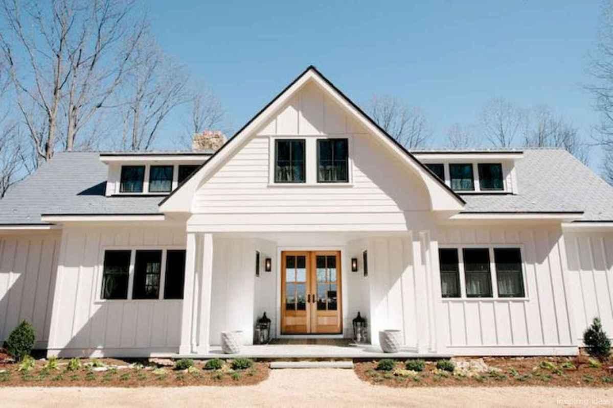 Simple Modern Farmhouse Exterior Design Ideas 64