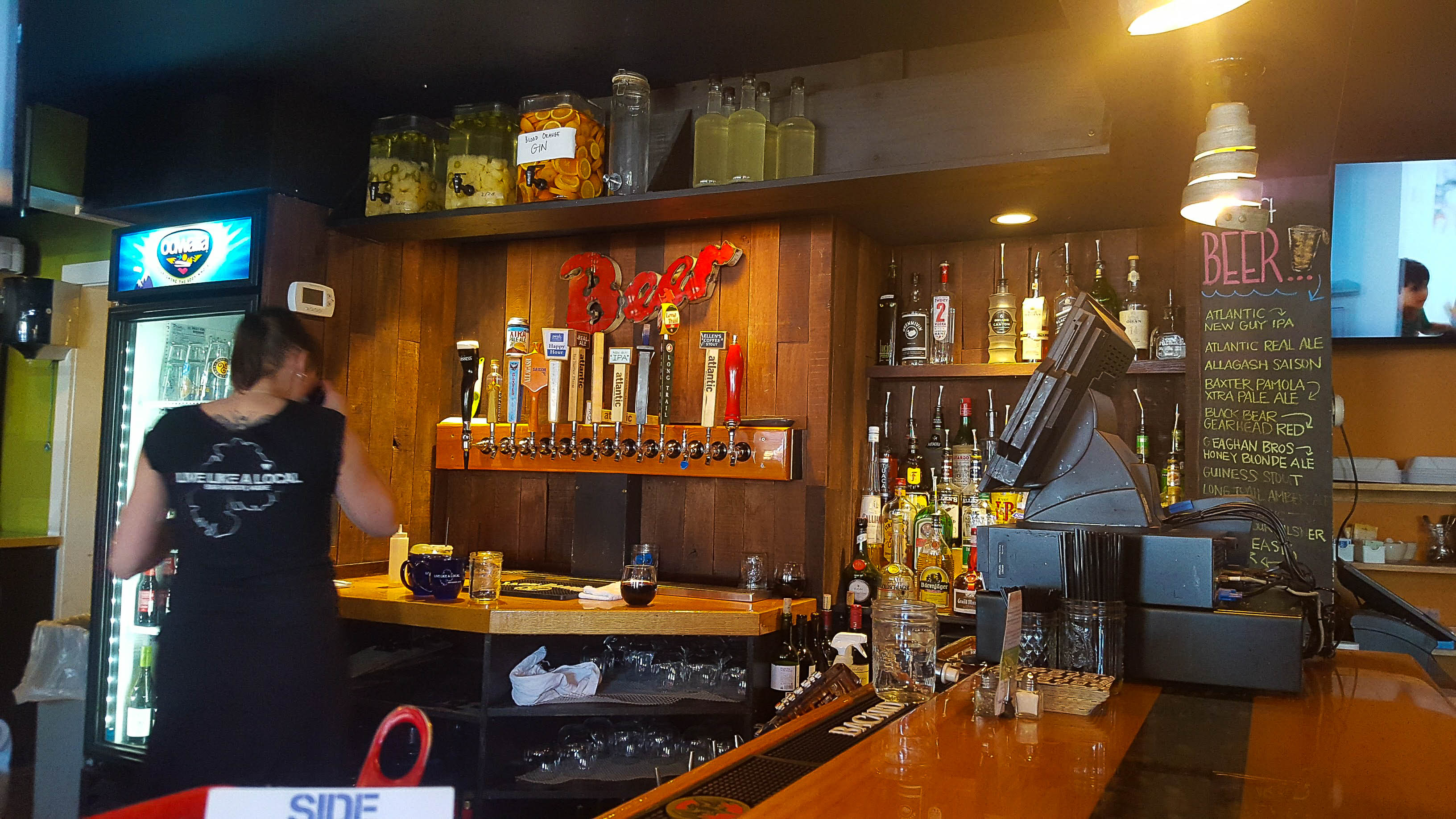 SIde Street Cafe Bar Harbor, Happy Hour in Bar Harbor, Acadia National Park places to eat