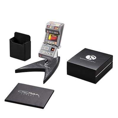 The tricorder I will NOT be buying. Image credit: Roddenberry.com. Click to check out the store listing for the tricorder.