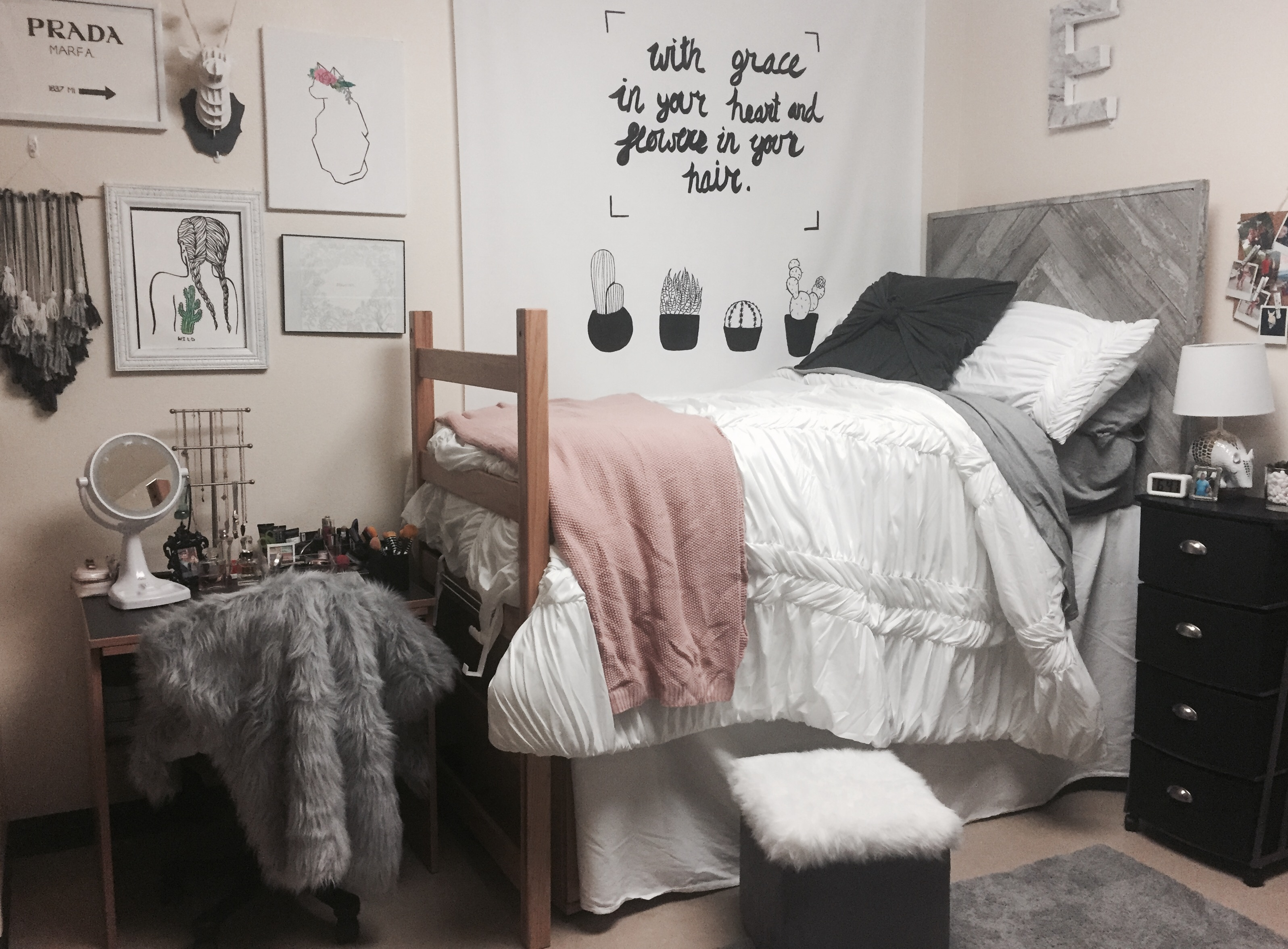 Fall Rug Wallpaper Creative Dorm Room Ideas To Make Your Space More Cozy