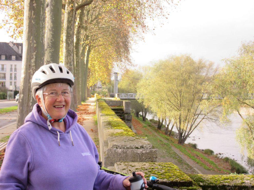 Shirley cycling to Tours