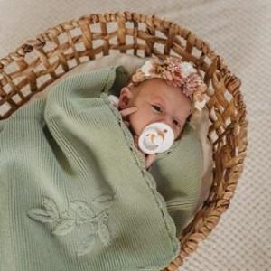 Pop Ya Tot Heirloom Embroidered Blanket (pistachio)