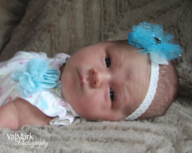 Do your own Newborn Photos {Love My DIY Home}