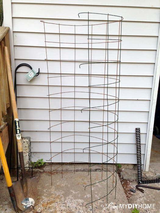 DIY Tomato Cage {Love My DIY Home}