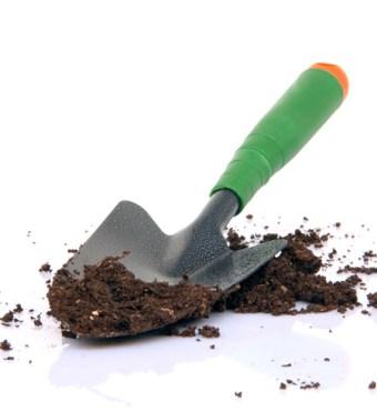 Improving Garden Soil {Love My DIY Home}