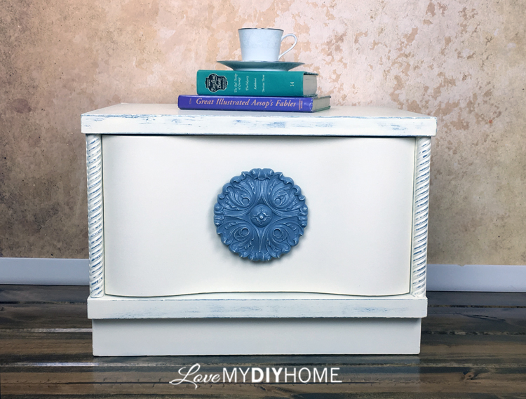 Annie Sloan Nightstand {Love My DIY Home}