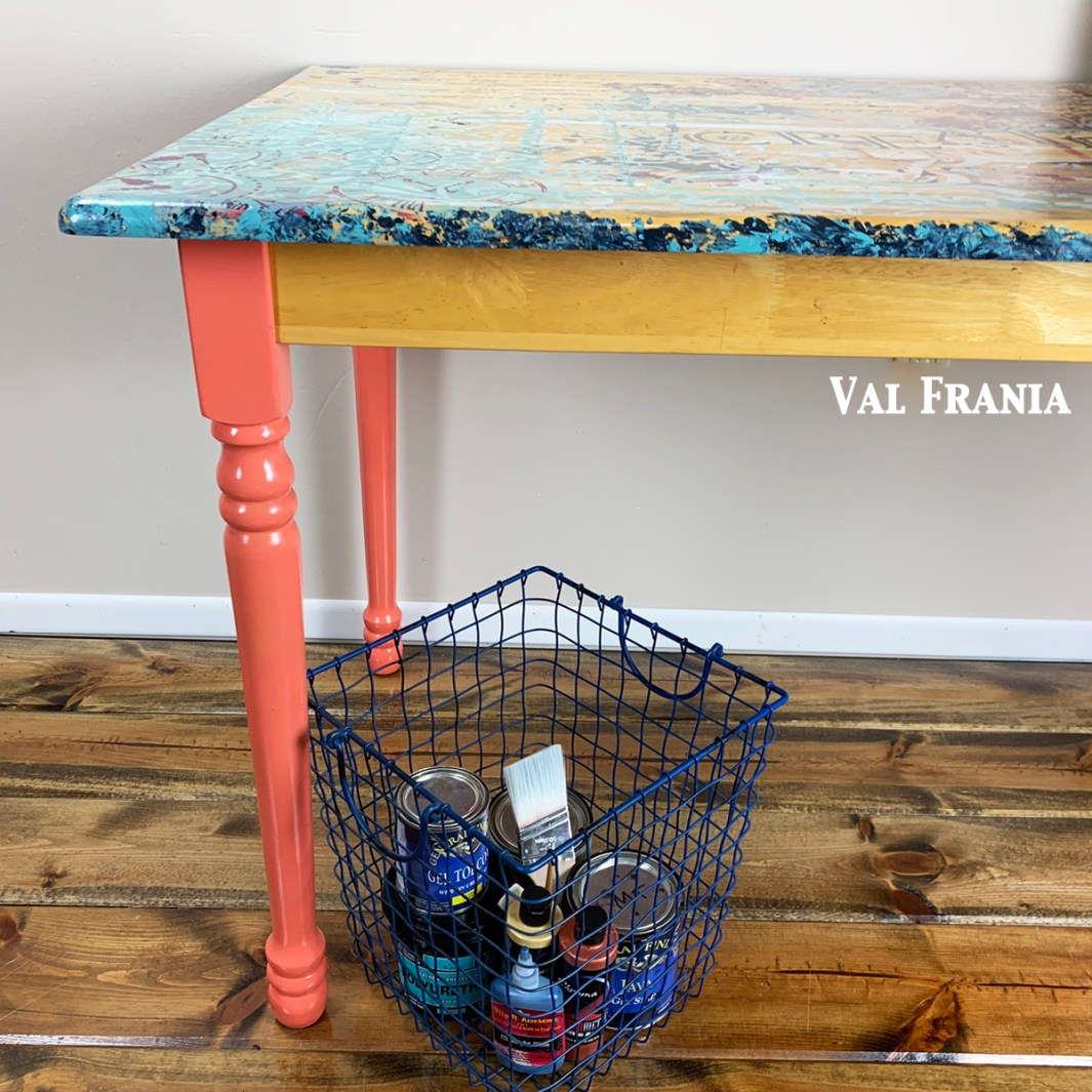 Artsy Table cu corner