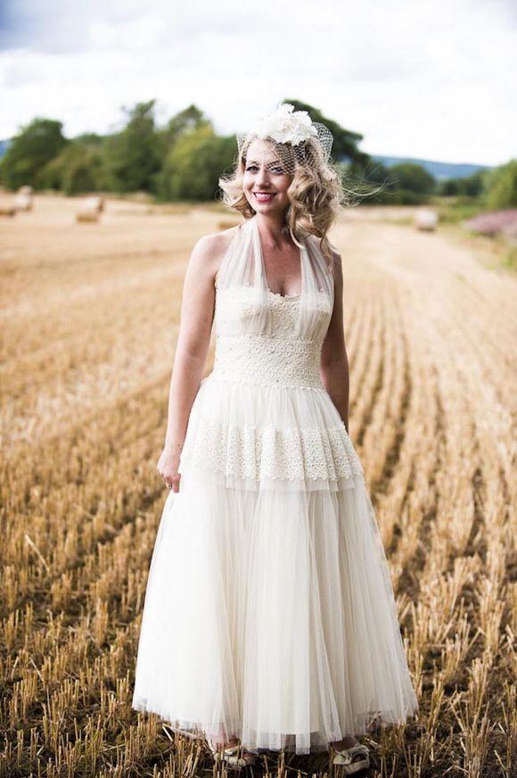a 1940s vintage wedding dress for an english country wedding love my dress uk wedding blog. Black Bedroom Furniture Sets. Home Design Ideas