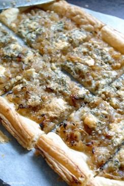 plaattaart met sjalotjes en blauwe kaas 2