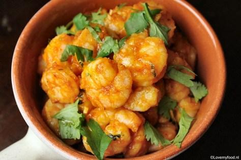 Spicy garnalen met rode curry 4