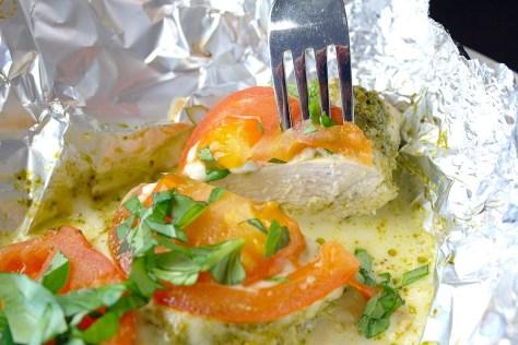 Kippakketjes uit de oven met pesto en mozzarella 1