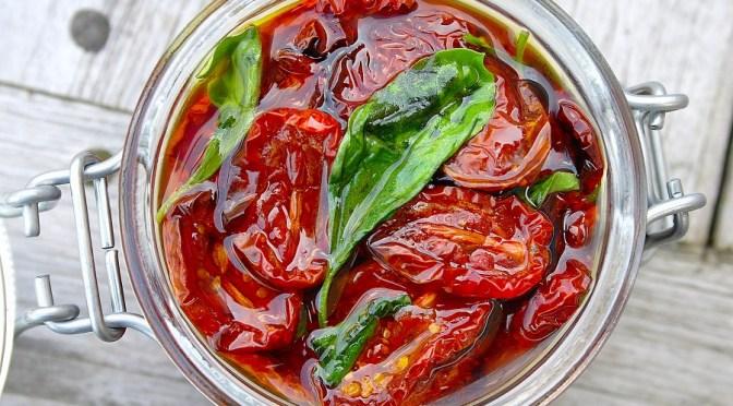 Zelf ovengedroogde tomaatjes maken