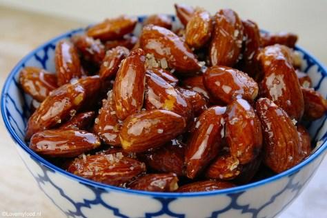 sweet-n-spicy-amandelen-met-honing-2