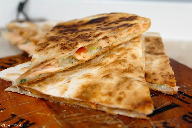 quesadilla-met-gerookte-zalm-en-gruyere-3