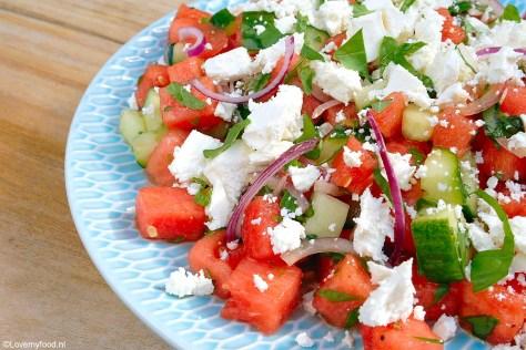 Watermeloen salade met feta en verse kruiden