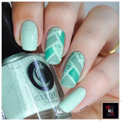 40 Great Nail Art Ideas - Mint green + fish Braid2
