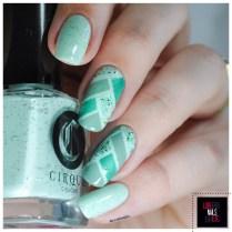 40 Great Nail Art Ideas - Mint green + fish Braid4